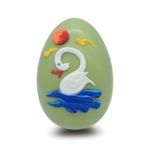 Πασχαλινά σοκολατένια αυγά χειροποίητα σε χρώμα παστέλ πράσινο και γεύση λεμόνι.