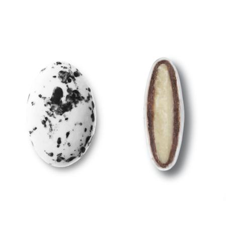 Κουφέτα βότσαλα Deluxe Stracciatella Καραμάνης με διπλή σοκολάτα και μαύρες πιτσιλιές splash για μπομπονιέρες γάμου, βάπτισης, candy bar, ζαχαροπλαστική.